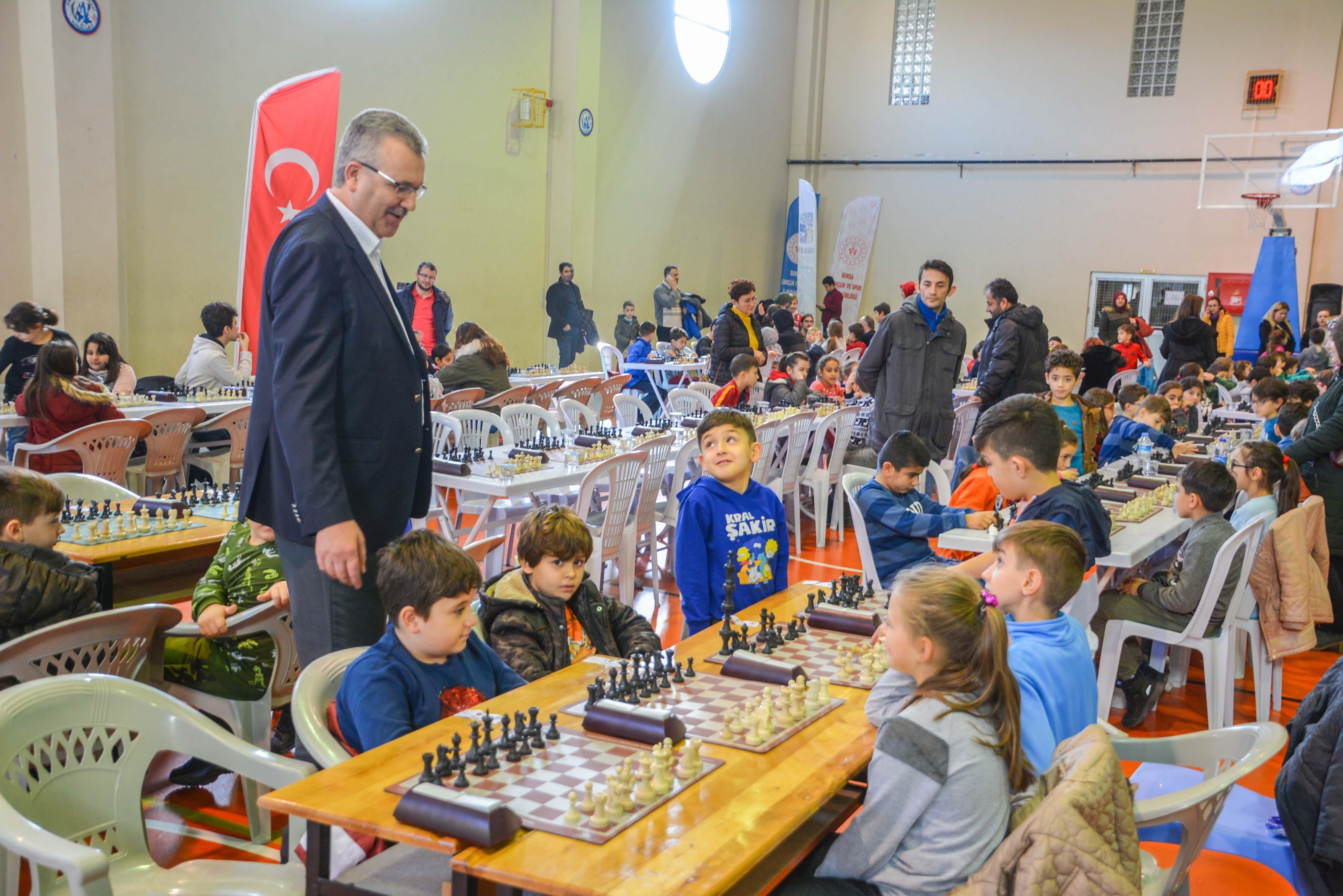 Karacabey'de satranç turnuvası heyecanı