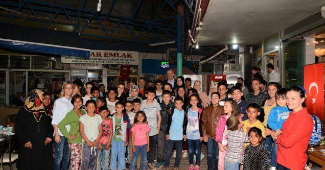 Başkan Özkan iftarını yetim çocuklarla açtı