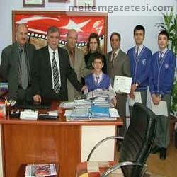Alkışlar Atatürk İlköğretim'e