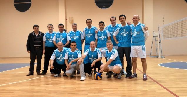 Kamil Girgin Öğretmenler Günü Voleybol Turnuvası başladı