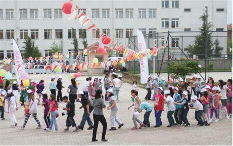 Karacabey'in çocukları İMKB'de şenlendi!