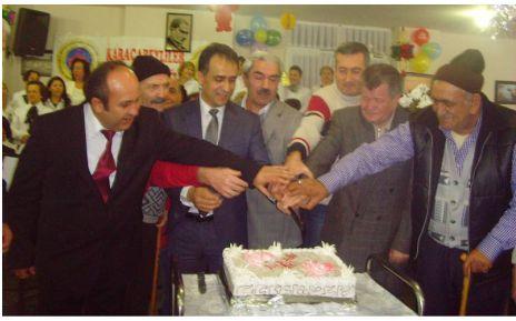 Karacabeylilerden yaşlılara vefa örneği