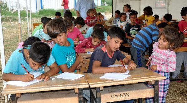 Mevsimlik İşçi Çocukları İçin Çadırda Yaz Okulu