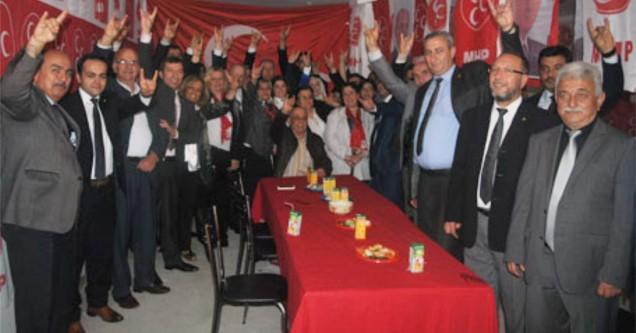 MHP'den gövde gösterisi