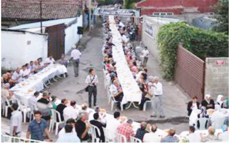 Mustafakemalpaşa Belediyesi'nden iftarlar!