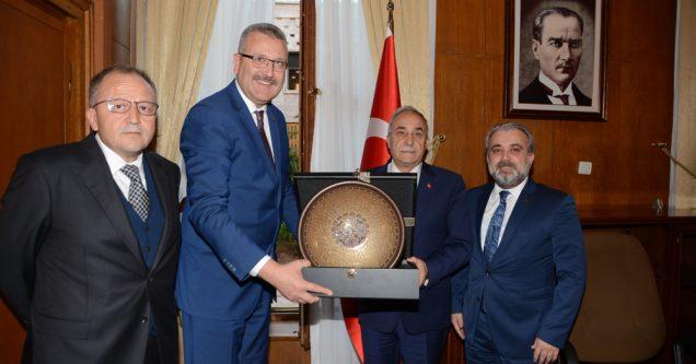Bakan Fakıbaba'ya teşekkür ziyareti