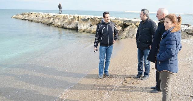 Sahil erozyonuna önlem aranıyor