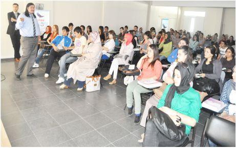 Sınav'dan üniversite öğrencilerine DGS semineri