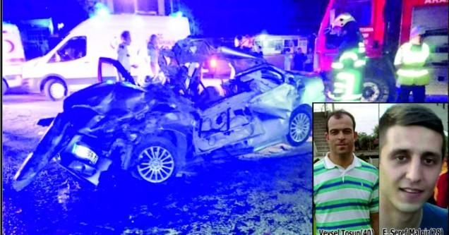 Otomobil kullanmayı öğrettiği arkadaşıyla birlikte öldü