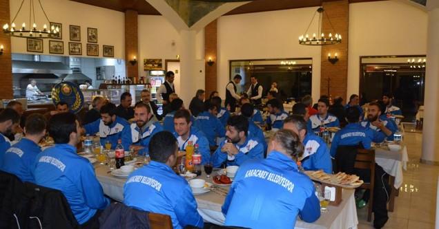 Karacabey Belediyespor'a  sponsorlardan destek yağıyor