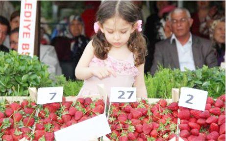 """Yarış Köyü'nden """"2. Çilek Festivali"""""""